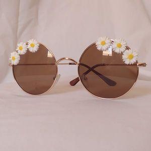 Round Daisy Sunglasses